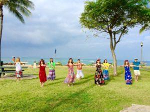 ハワイでビーチフラレッスン